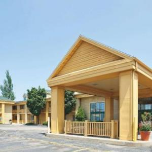 Menominee Nation Arena Hotels - La Quinta Inn by Wyndham Oshkosh