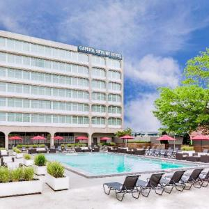 Hotels near The Miracle Theatre DC - Capitol Skyline Hotel