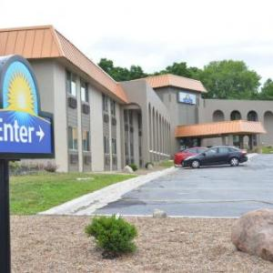 Hotels near Val Air Ballroom - Days Inn West Des Moines