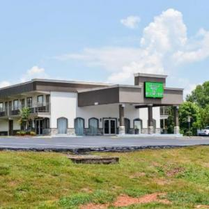 The SKyPAC Hotels - Americas Best Value Inn Bowling Green