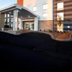 Comfort Inn & Suites Airport and Expo Louisville KY, 40209
