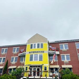 Camden Riverhouse Hotel And Inn