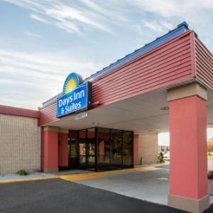 Days Inn & Suites by Wyndham Mt Pleasant