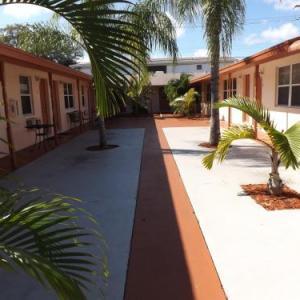 Eamon James Apartments & Suites