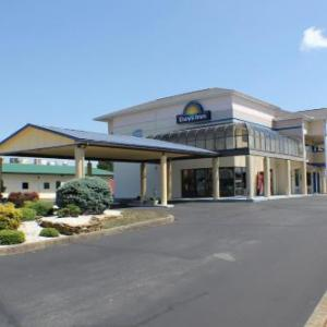Hotels near Niswonger Performing Arts Center Greeneville - Days Inn by Wyndham Greeneville