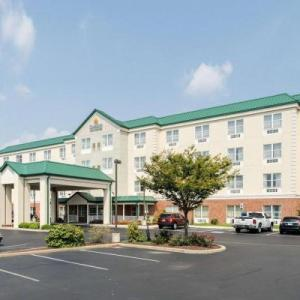 Hotels near Memorial Hall Dover - Comfort Inn & Suites Dover
