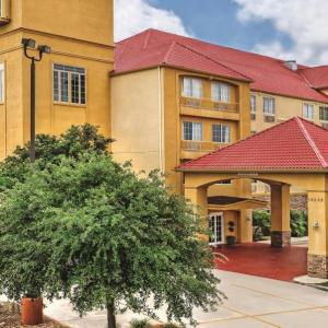 La Quinta Inn & Suites By Wyndham San Antonio North Stone Oak