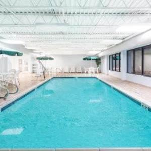 Splash Lagoon Hotels - Wingate by Wyndham Erie