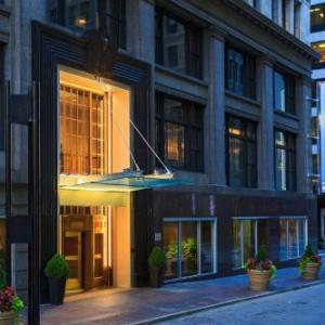 Sawyer Point Cincinnati Hotels - Renaissance Cincinnati Downtown Hotel