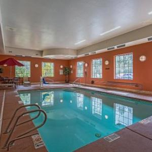 Hotels near Inn of the Mountain Gods Resort and Casino - Hotel Ruidoso - Midtown