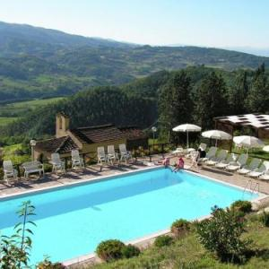 Book Now Fattoria I Fratelli Giotto (Dicomano, Italy). Rooms Available for all budgets. Fattoria I Fratelli Giotto offers pet-friendly accommodation in Dicomano 27 km from Florence and 35 km from Prato. The unit is 49 km from Pistoia. Free WiFi is offered .The ki