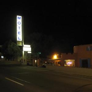 Hotels near Black Sheep Colorado Springs - True North Motel
