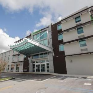 Holiday Inn Express & Suites Miami Airport
