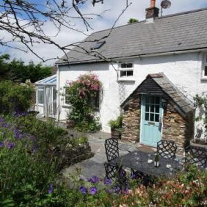 Mays Cottage St Issey
