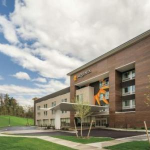 Hotels near Upstate Concert Hall Clifton Park - La Quinta Inn & Suites Clifton Park