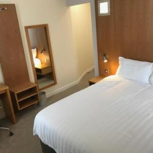 Hotels near Rotherham Civic Theatre - Corona Hotel Rotherham Sheffield Meadowhall