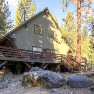 Yosemite Creekside Birdhouse