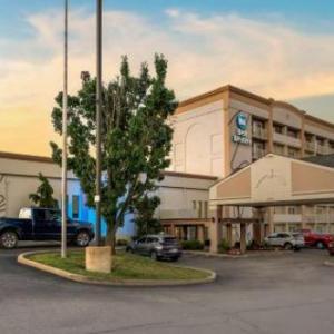 World Wide Technology Soccer Park Hotels - Best Western Kirkwood Inn