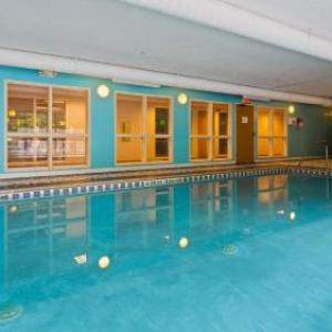 SpookyWorld Litchfield Hotels - Best Western PLUS Executive Court Inn & Conference Center