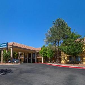 Hotels near Popejoy Hall - Best Western Airport Albuquerque InnSuites Hotel & Suites