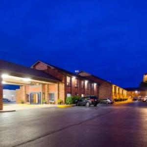 Hotels near Slater Family Ice Arena - Best Western Falcon Plaza