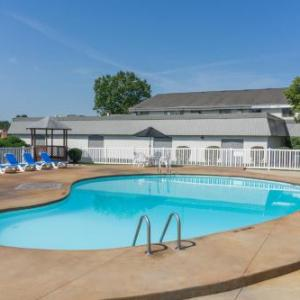 Days Inn & Suites Columbus East Airport