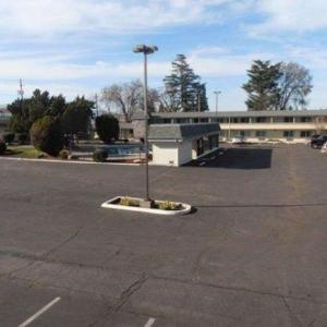 Medford Armory Hotels - Econo Lodge Inn & Suites Central