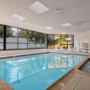 Zembo Shrine Hotels - Ramada Harrisburg Hershey Area
