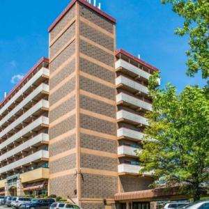 Carnegie Music Hall Hotels - Quality Inn University Center
