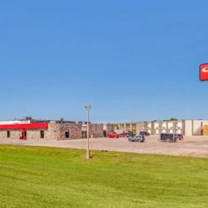 Econo Lodge Inn & Suites Brookings