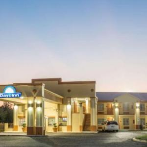 Texas Longhorn Club Hotels - Days Inn Orange