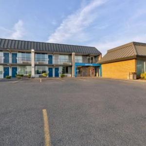 Motel 6-Mount Jackson VA - Shenandoah