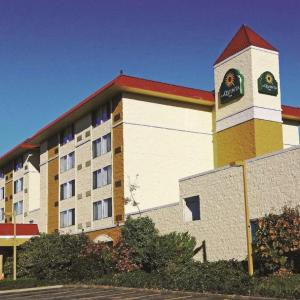 Edmonds Center for the Arts Hotels - La Quinta Inn Lynnwood
