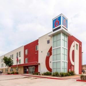 Hotels near Sames Auto Arena - Motel 6 Laredo Airport