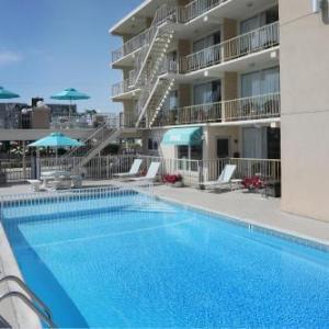 Aquarius Oceanfront Inn