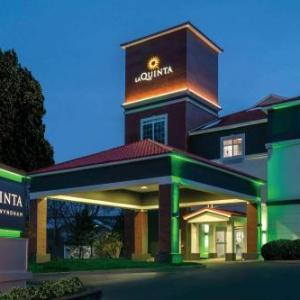 Hotels near Siena College - Laquinta Inn & Suites Albany Airport
