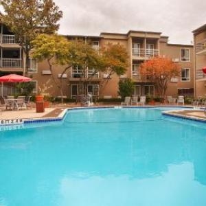Hotels near Come and Take It Live - Best Western Plus Austin City Hotel