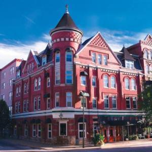 Parkersburg High School Hotels - Blennerhassett Hotel