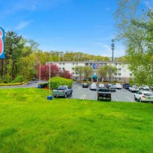 Hartford HealthCare Amphitheater Hotels - Motel 6-Milford CT