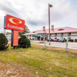 Hotels near The Flying Monkey Plymouth - Econo Lodge Near Plymouth State University