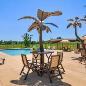 Hotels near Dodge City Civic Center - Best Western North Edge Inn