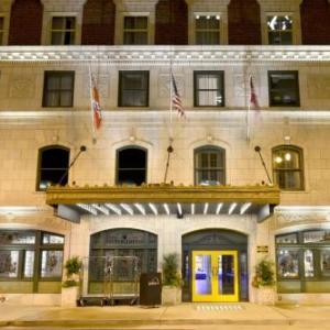 St. Louis Central Public Library Hotels - Magnolia Hotel St. Louis