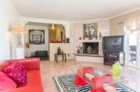 Three Bedroom Villa in Bel Air with Views Image