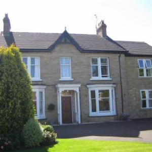 The Poplars Rooms & Cottages