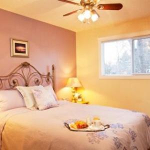 Elim Church Saskatoon Hotels - Wild Rose Bed & Breakfast