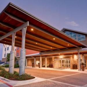Homewood Suites By Techridge Parmer @ I-35
