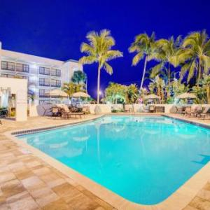 Mizner Park Amphitheater Hotels - Boca Raton Plaza Hotel And Suites