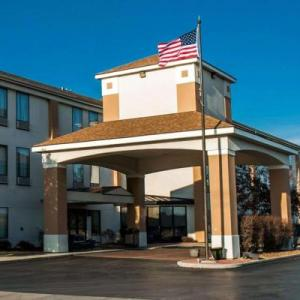 Hotels near GCS Ballpark - Comfort Inn & Suites Cahokia