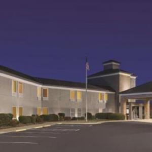 Country Inn & Suites by Radisson Dunn NC