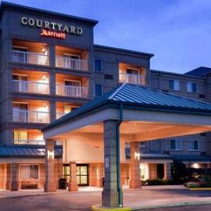 Cuyahoga County Fairgrounds Hotels Courtyard By Marriott Cleveland Airport South